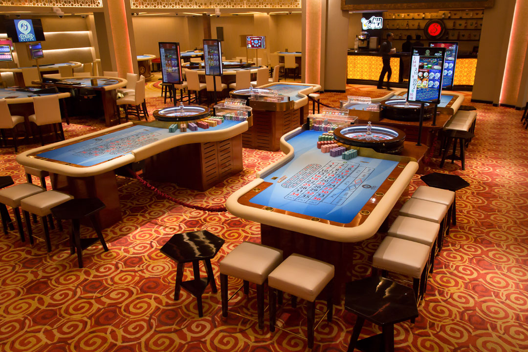 blackjack casino table games
